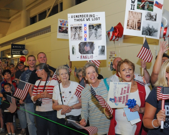 Honor Flight Chicago Welcome Home