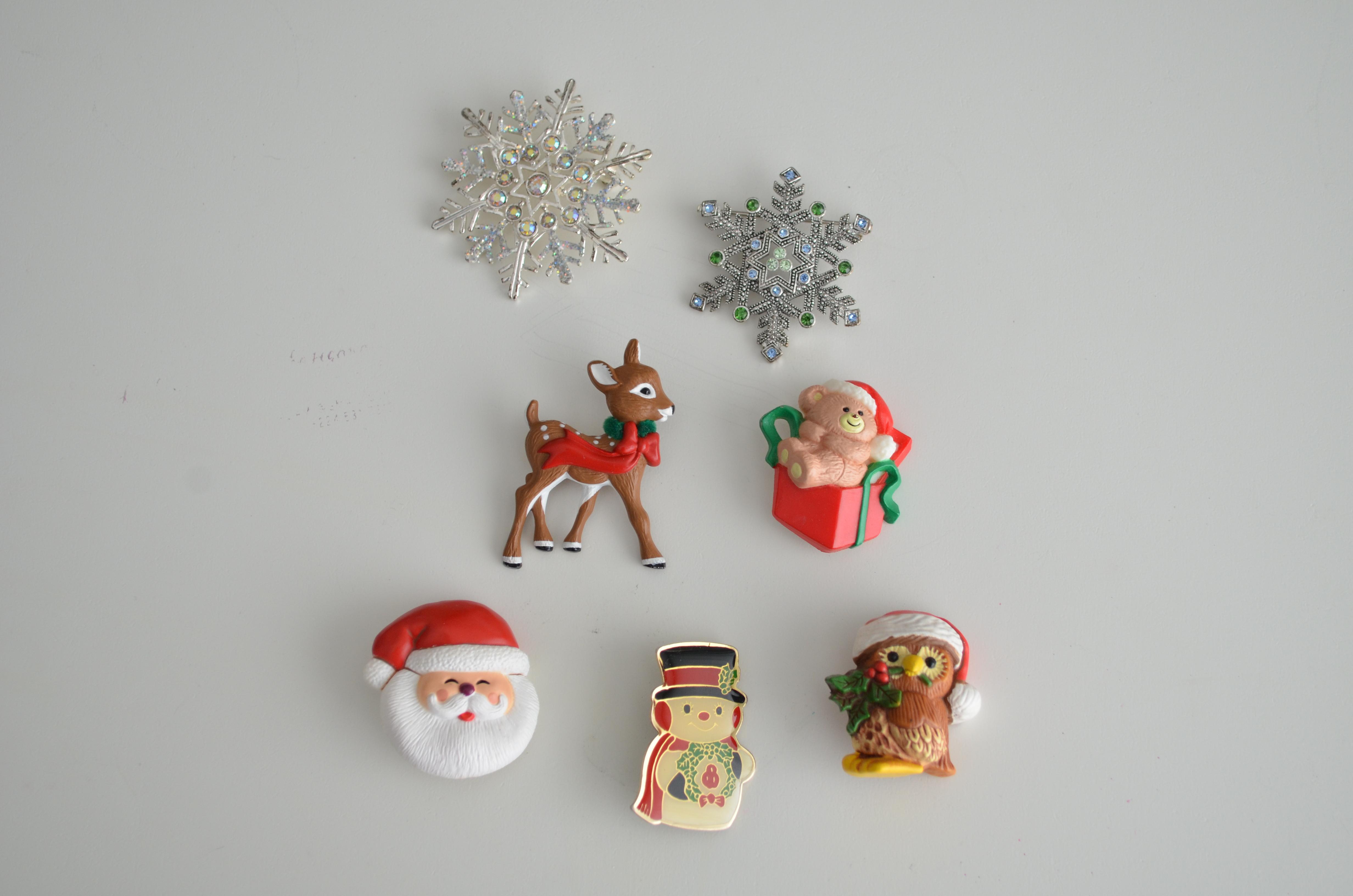 vintage christmas pins - Christmas Pins