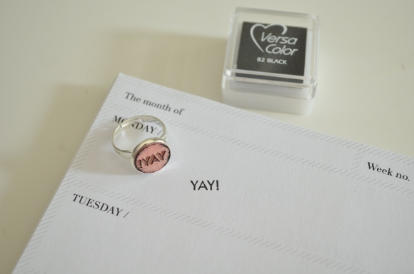plastique, paper trail ring stamp set