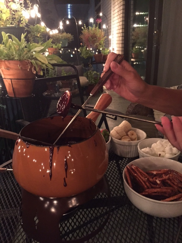 chocolate fondue, 1970s fondue pot