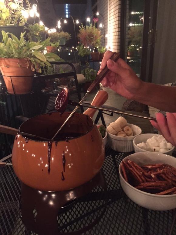 chocolate fondue, 1970s fondue pot