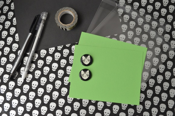 Halloween mail, La Familia Green glow in the dark button, mail art