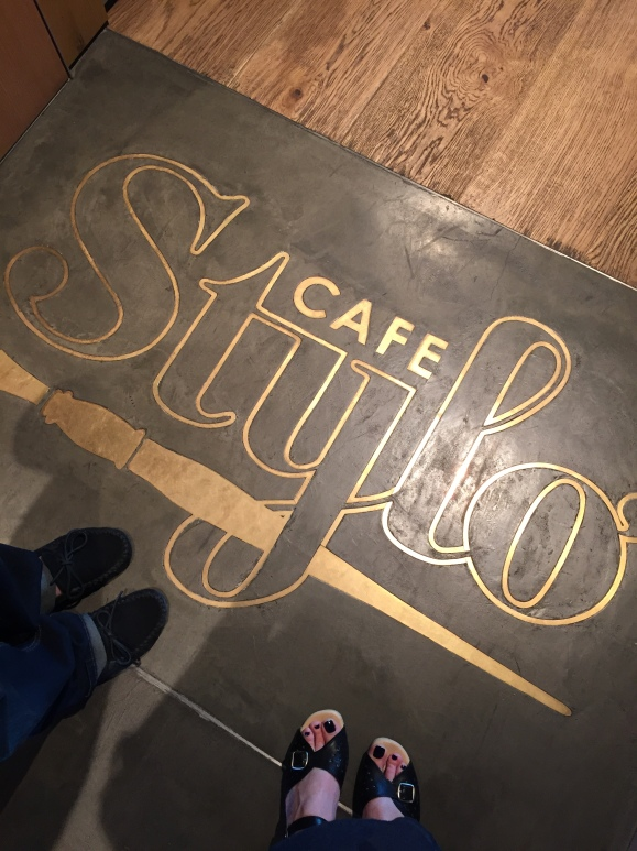 Cafe Stylo floor sign