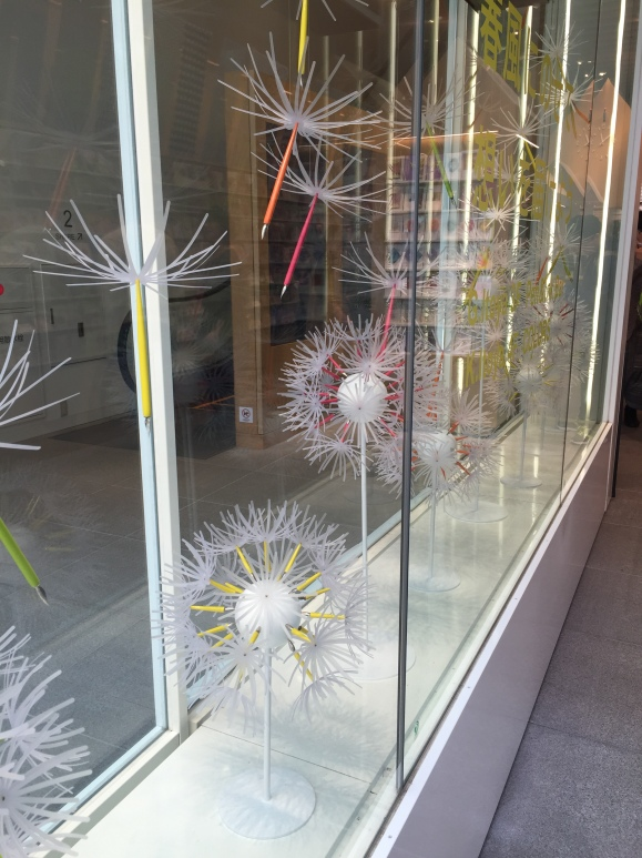 Itoya spring windows, flower pens
